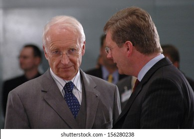 DECEMBER 16, 2004 - BERLIN: Edmund Stoiber, Christian Wulff at a meeting of the German government in the Chanclery in Berlin.