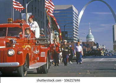 DECEMBER 2004 - Veterans Day Parade, St. Louis, MO