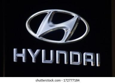 Hyundai Logo Images Stock Photos Vectors Shutterstock