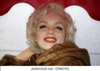 "DECEMBER 2013 - BERLIN: the wax figure of Marilyn Monroe at the waxworks ""Madame Tussauds"" in Berlin."