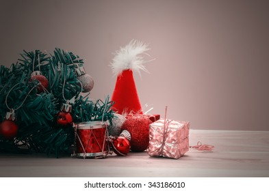 December 25 is a Christmas day , the Christmas tree decorate with colorful toy