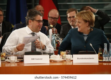 DECEMBER 8, 2016 - BERLIN: Sigmar Gabriel, German Chancellor Angela Merkel at a meeting with the prime ministers of the German federal states, Chanclery.