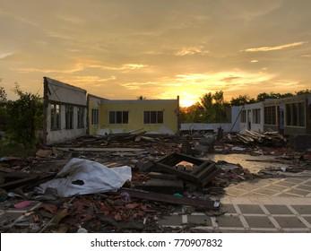 The deconstruction building