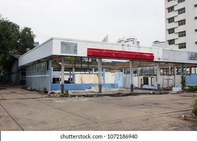 Deconstruction shop in urban space.