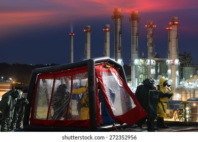 Decontamination  for emergency response Oil,refinery plant.