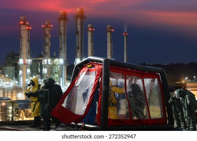 Decontamination station for emergency response Oil,refinery plant.