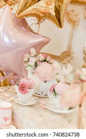 Decor set with pink and white balloons and flowers