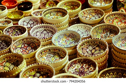 Decorated bowls in the oriental markets