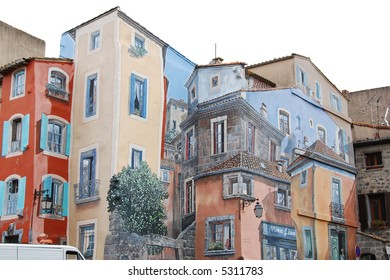 decorated house in Pezenas