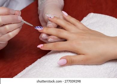 Decorating nails