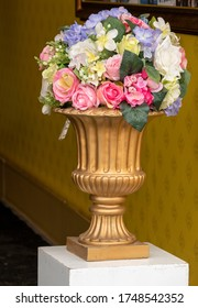 Decoration artificial plastic flowers bouquet in big vase