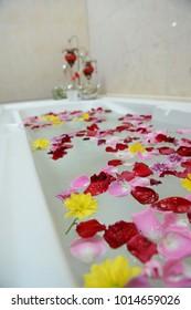 decoration flower on bathtub