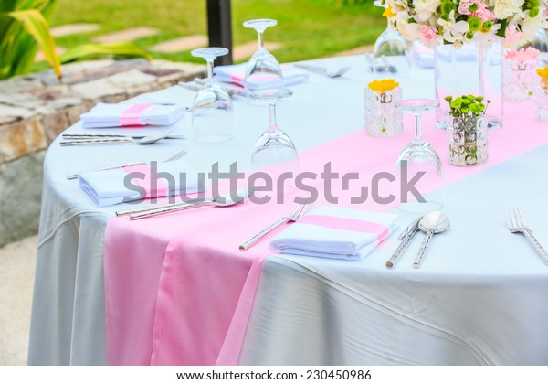 decoration of flower on the table for wedding.
