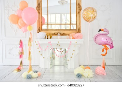 Decorations for holiday party. A lot of balloons. Birthday party decorations ideas.