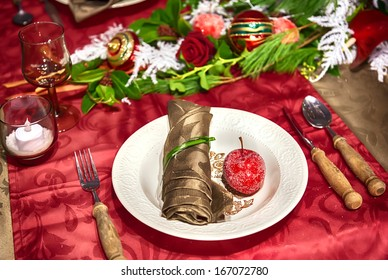 Decorative arrangement on winter party table