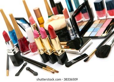Decorative cosmetics
