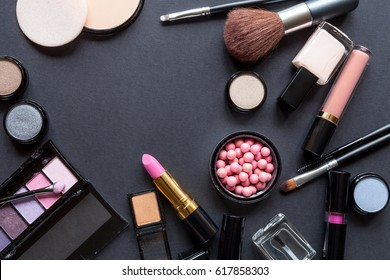 Decorative cosmetics set