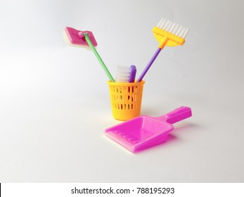Decorative elements for the theme of cleanliness and order in the nursery