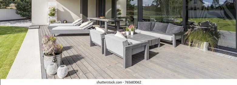 Royalty-Free Table De Jardin En Bois Stock Images, Photos ...