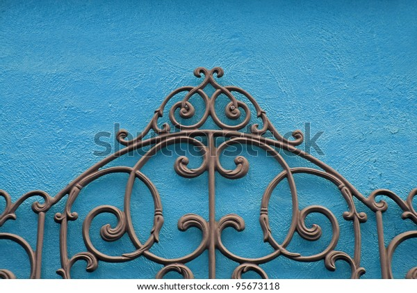 decorative-piece-wrought-iron-mounted-60