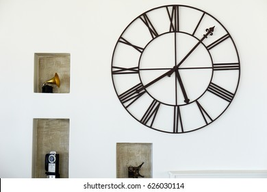Decorative of wall clock and stuffs