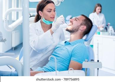 Im Zahnarztbüro, Prüfung