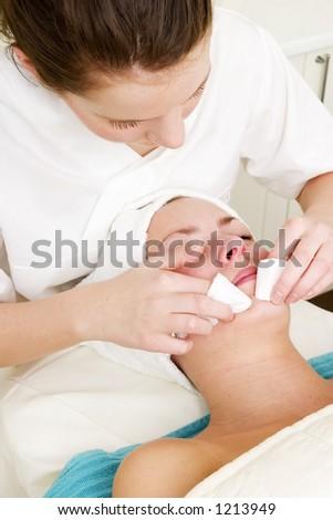 Deep extraction facial