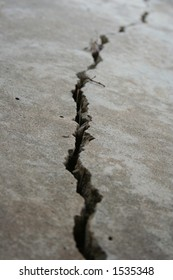 Deep crack in foundation 2