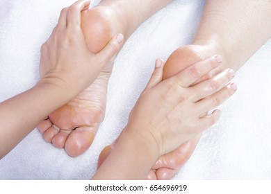 Deep foot massage