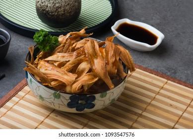 deep fried japanese burdock gobo