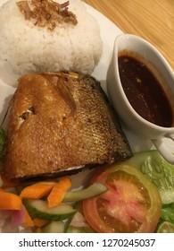 Deep fried milkfish with rice