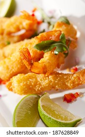Deep Fried Shrimp with Guacamole Sauce and Lime Slice