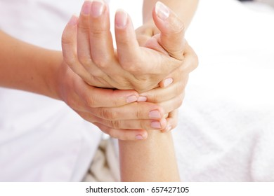 Deep hands massage