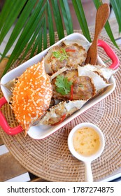 Deep-fried crab meat and minced pork in crab shell