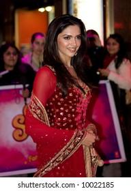 Deepika Padukoneat the Bollywood Film premiere of Om Shanti Om in London