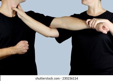 Defense and attack with the hands and using the technique of Wing Chun Kung Fu