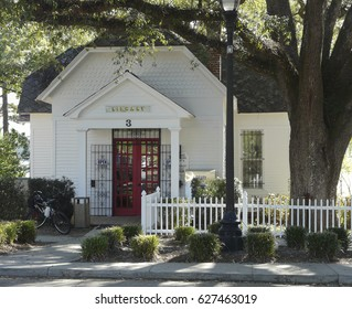 DEFUNIAK SPRINGS, FLORIDA – OCTOBER 18, 2016: Exterior of a historic library in a small American town. The Walton-Defuniak Library, established in 1886, is in DeFuniak Springs, Florida.