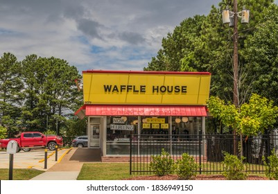 Dekalb County, Ga / USA - 07 29 20: Waffle House open for dine in