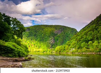 The Delaware Water Gap seen from Kittatinny Point in Delaware Water Gap National Recreational Area, New Jersey.