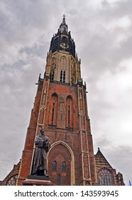DELFT, NETHERLANDS-APRIL 14: View of the Nieuwe Kerk tower of Delft on April 14, 2013. The church tower is the second highest in the Netherlands