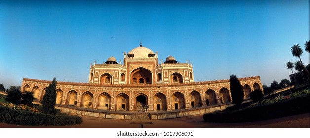 DELHI, DELHI, INDIA, 12/08/1992, PANAROMIC EXTERIOR VIEW OF HUMAYUN'S TOMB, THIS HAS BEEN SHOT ON A PANAROMIC 180 DEGREE CAMERA ON FILM AND SCANNED