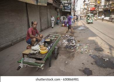 DELHI INDIA - JUN 17 : parantha stall on cart at Chawri Bazar. Chawri Bazar is hardware market in Old Delhi area of Delhi on june, 17, 2015, india