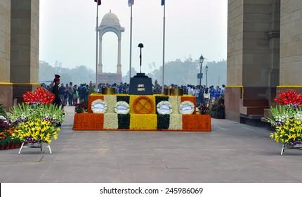 DELHI - JAN 01: Amar Jawan Jyoti, memorial at India Gate in Delhi on January 01.2015 in India