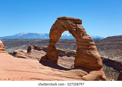 Delicate Arch, a natural sandstone formation, is located in Arches National Park, Utah, USA.