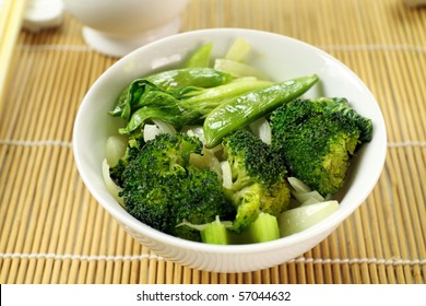 Delicious bowl of freshly cooked Chinese vegetables ready to serve.