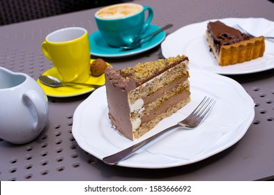 Delicious cacke with cofe in restaurant