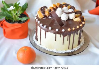 Delicious cake with mandarin segments