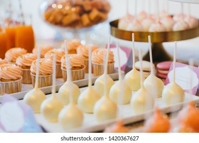 Delicious cakes macarons on candybar Wedding Event