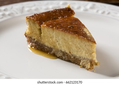 Delicious cheese cake with honey