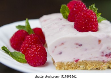 Delicious Cheese cake with raspberries